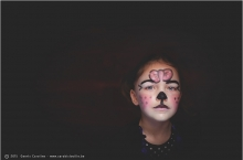 photo d'une petite fille maquillée en chat pour le carnaval